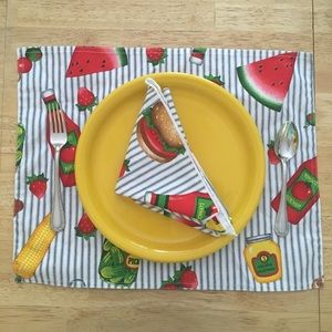 Barbecue placemats and napkins